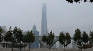 Bliżej chmur w trzy minuty. Zobacz jak powstawał najwyższy budynek w Chinach
