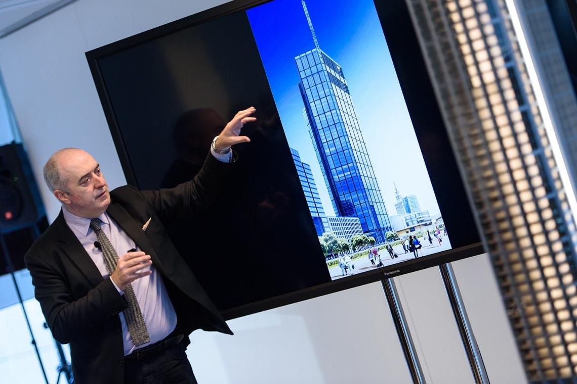 Tak prezentuje się Varso. Zobacz zdjęcia najwyższego budynku w Polsce