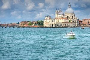 Nietypowe poszukiwania w Wenecji. Kolumny, której istnienie nie jest pewne