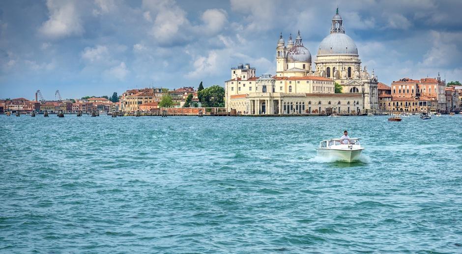 Władze Wenecji przedstawiły UNESCO program ratowania miasta
