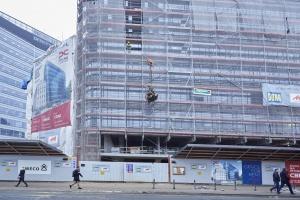 Biurowiec Polna Corner w Warszawie na półmetku. To projekt B'ART