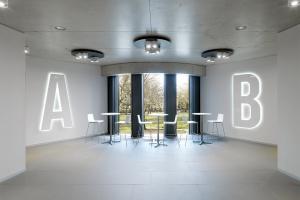 Wersja A czy B? Tak wygląda nowoczesne biuro dla informatyków