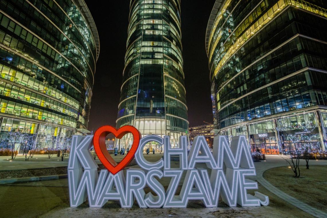 Wyjątkowa iluminacja na Warsaw Spire
