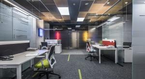Królestwo zieleni - zobacz nowy showroom, biura i sale szkoleniowe Geberit