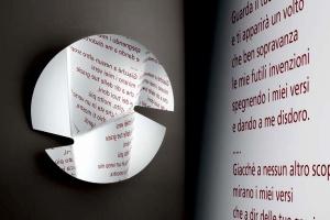 Lustro - blask zamknięty w formie