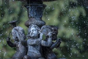 """Renowacja zabytkowych fontann w ramach projektu """"Szlak kamienia"""""""