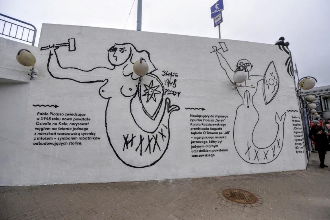 Nowe murale przy stacji metra Centrum