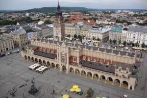 Pomnik Adama Mickiewicza przejdzie renowację