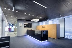 Deweloperzy biurowi sprawdzają jakość materiałów