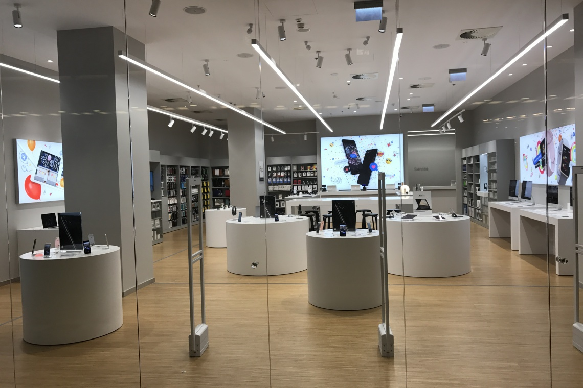 Nowy salon iSpot Apple Premium Reseller w Galerii Północnej. Tu ludzie spotykają się z technologią