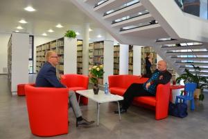 Nowatorska i przyjazna przestrzeń - taka może być współczesna biblioteka