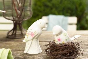 Bajkowa porcelana na wielkanocnym stole