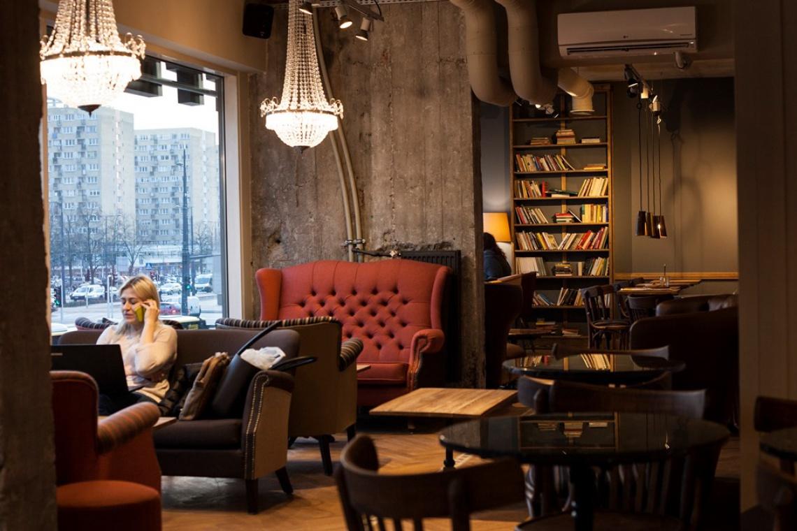 Kawiarnia z przestrzenią co-workingową. To najnowszy trend