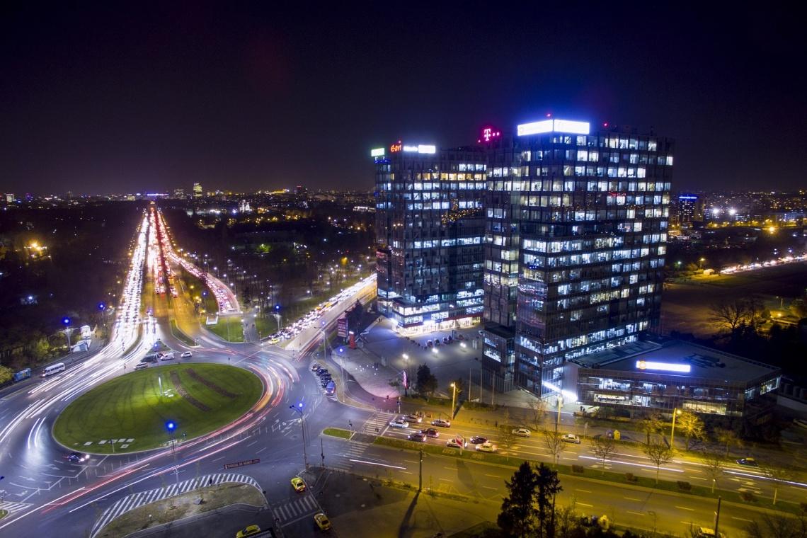 Biurowa brama miasta
