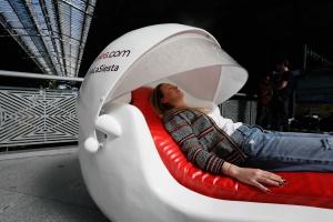 Kapsuły sypialne w przestrzeni publicznej. Bo sjesta ma sens!