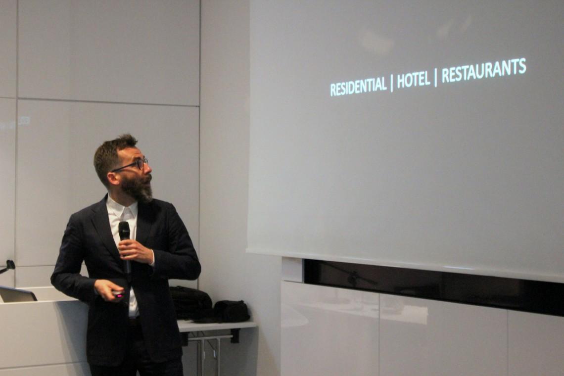 Łukasz Kos: Nie znam w Warszawie restauracji z dobrą akustyką