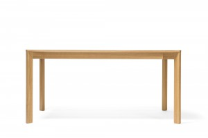 Stół idealny nie tylko do domowej jadalni, ale też do biura