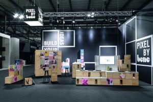 Mebel jako tworzywo artystyczne? Nietypowa instalacja powstała w Wiedniu i Mediolanie