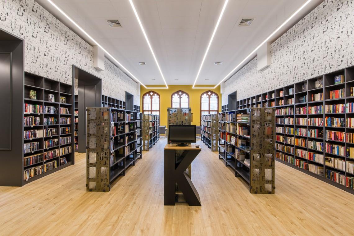 Kolejna biblioteka na dworcu. To już trend?