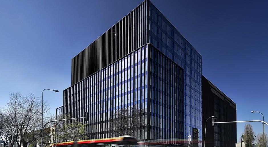 Warszawski biurowiec D48 na finiszu. Ciekawa architektura i eko-technologie