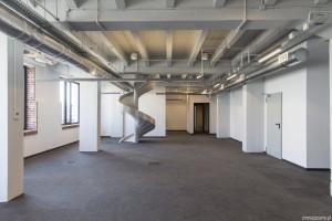 Stacja Biznesu - nowoczesny biurowiec z industrialną przeszłością