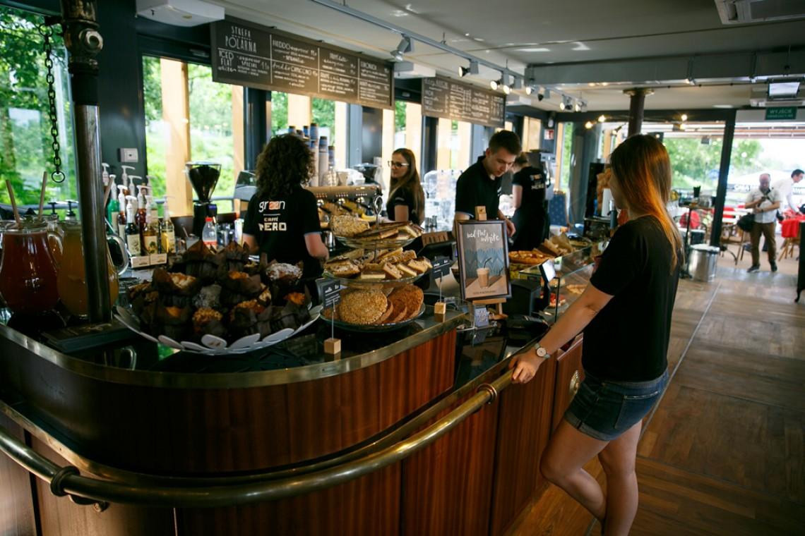 W tej kawiarni poczujesz się jak na statku. Green Caffè Nero na bulwarach wiślanych