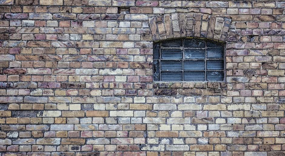 Na krakowskim Stradomiu natrafiono na gotyckie elementy, konserwator nakazał ich zabezpieczenie