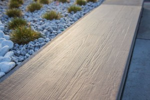 Siła gresu tkwi w interpretacji kamienia, drewna i betonu