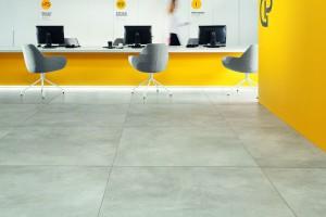 Wielkoformatowe gresy. Potęga naturalnego kamienia i surowość betonu