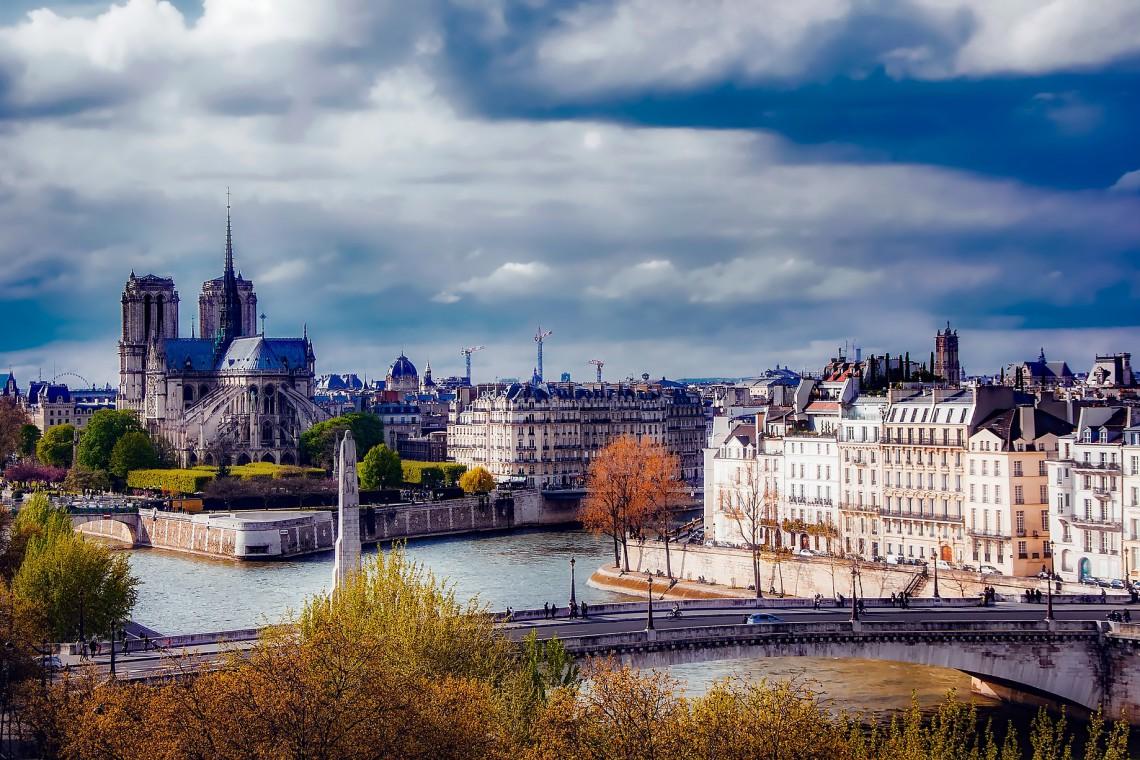 Notre Dame pilnie potrzebuje remontu. Potrzeba 100 mln euro