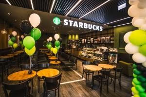 Tak wygląda najnowsza kawiarnia Starbucks w Warszawie