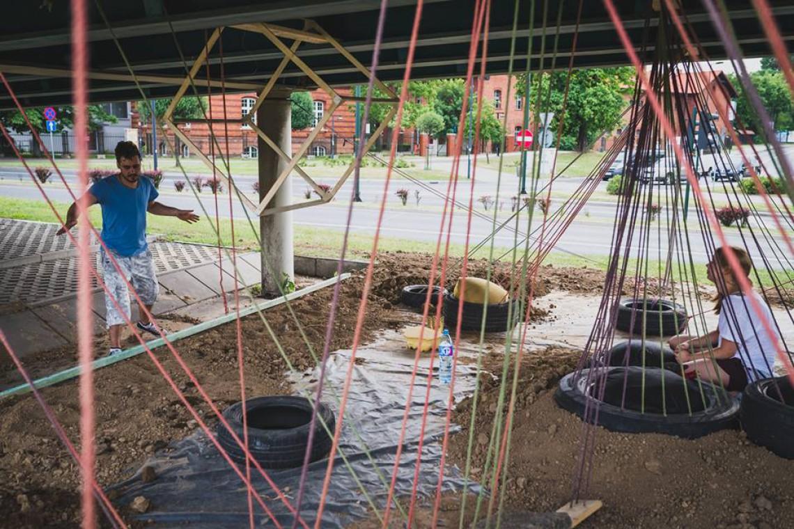 Studenci ASP ożywili zaniedbany teren w centrum Krakowa. Zobacz, jak im poszło