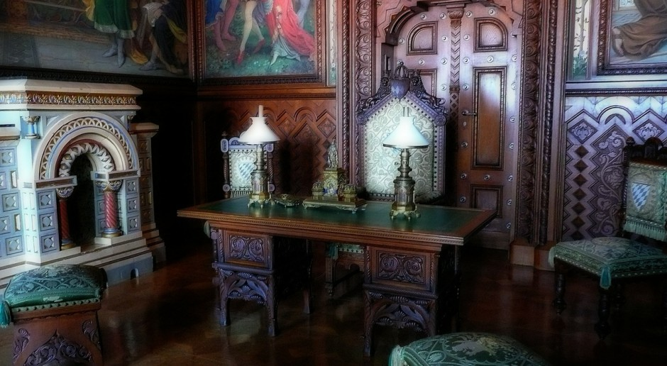 Odnaleziono XIX-wieczne meble z Łazienek Królewskich