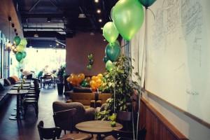 Tak wygląda jedna z największych kawiarni Starbucks w Polsce