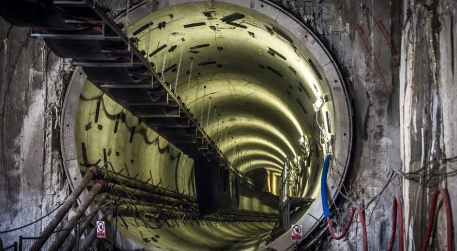 Budowa warszawskiego metra tak szybko, jak w Hiszpanii