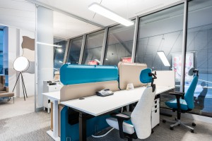Designerskie wykładziny w nowym showroomie Kinnarps