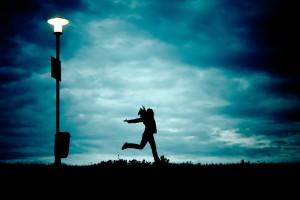 Neonowe chmury i przezroczyste instalacje. Niemiecki artysta znów zaskakuje