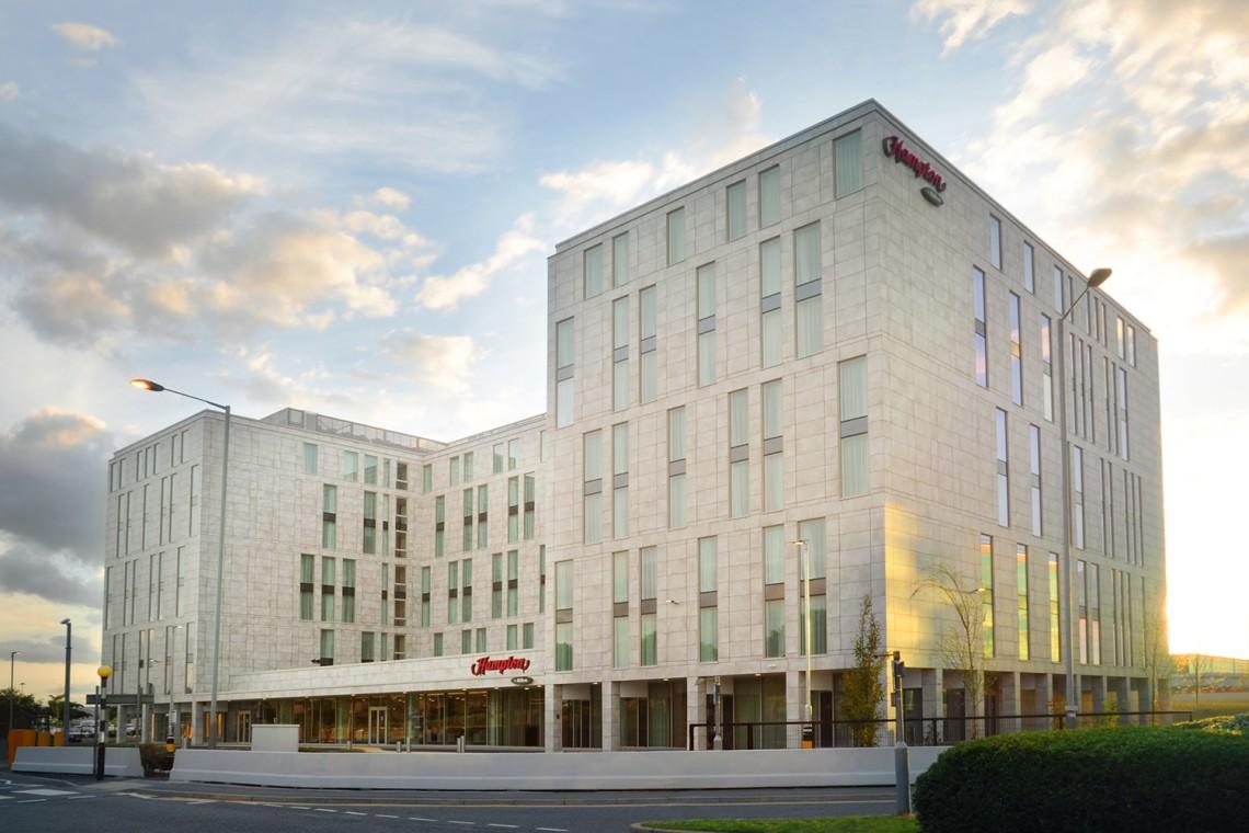 Największy na świecie hotel Hampton by Hilton już otwarty