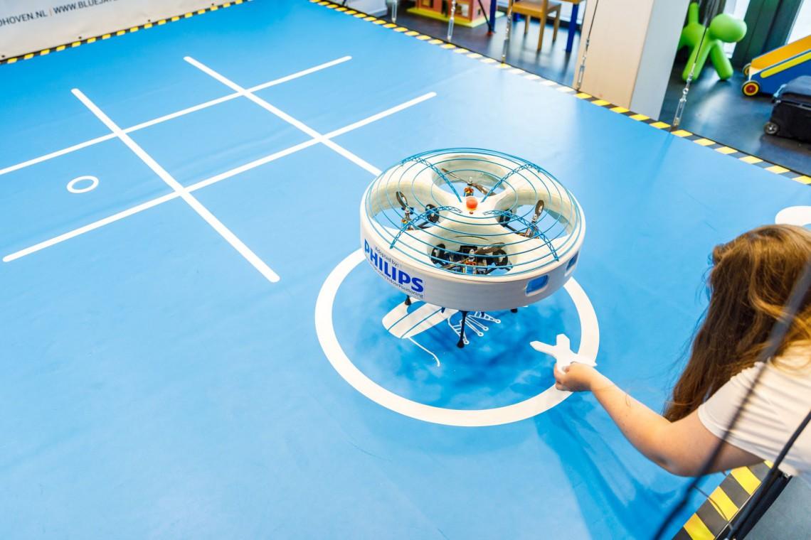 Zagrasz w kółko i krzyżyk z... dronem?