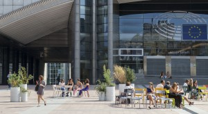Polscy architekci zaprojektowali meble miejskie dla Brukseli