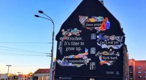 Nowy mural we Wrocławiu - budzi skrajne emocje