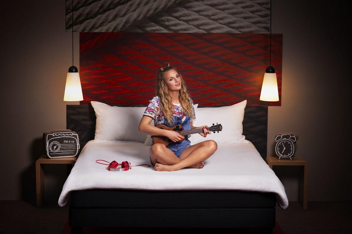 Muzyka zamieszkała w hotelach Ibis. W jednym z nich powstaje... studio nagraniowe