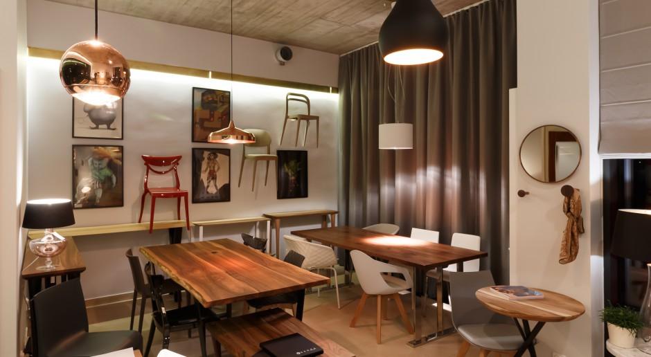 Showroom Livi Store w Wilanowie, czyli naturalne drewno i harmonijnie dobrane doposażenie wnętrz