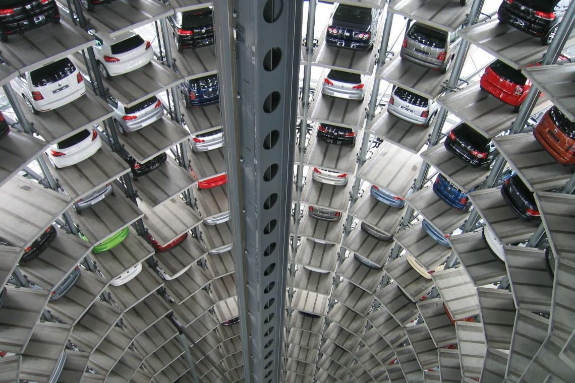 Warszawa stawia na miejskie parkingi. Kolejny przetarg na koncepcję ogłoszony