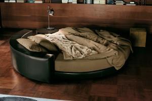 Łóżka wyspy od włoskiej marki Ivano Redaelli