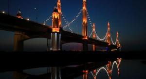 Najnowszy, chiński cud inżynierii rozświetla rzekę Huang He