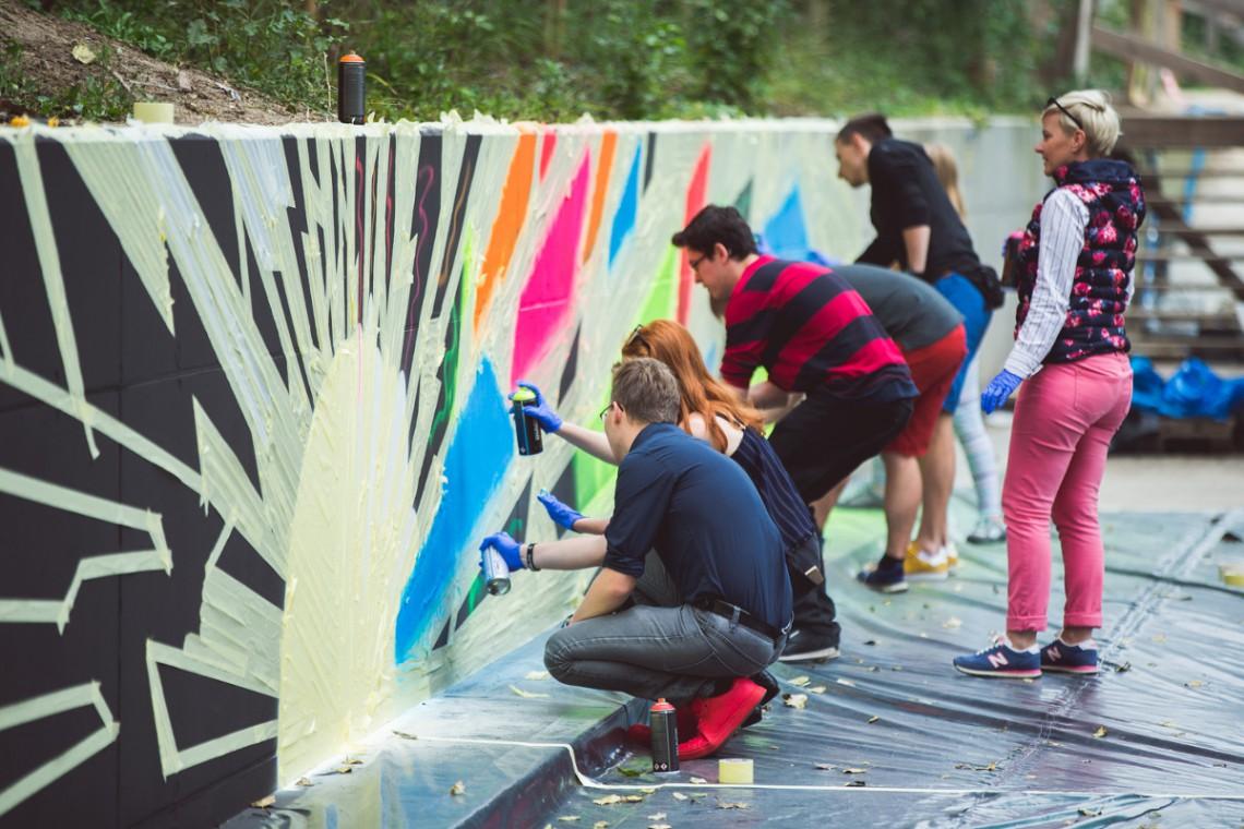 Wielu autorów, jeden projekt. Tak powstał mural przy Symetris Business Park