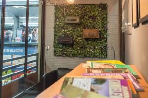 IKEA urządziła czytelnię na dworcu MDA w Krakowie