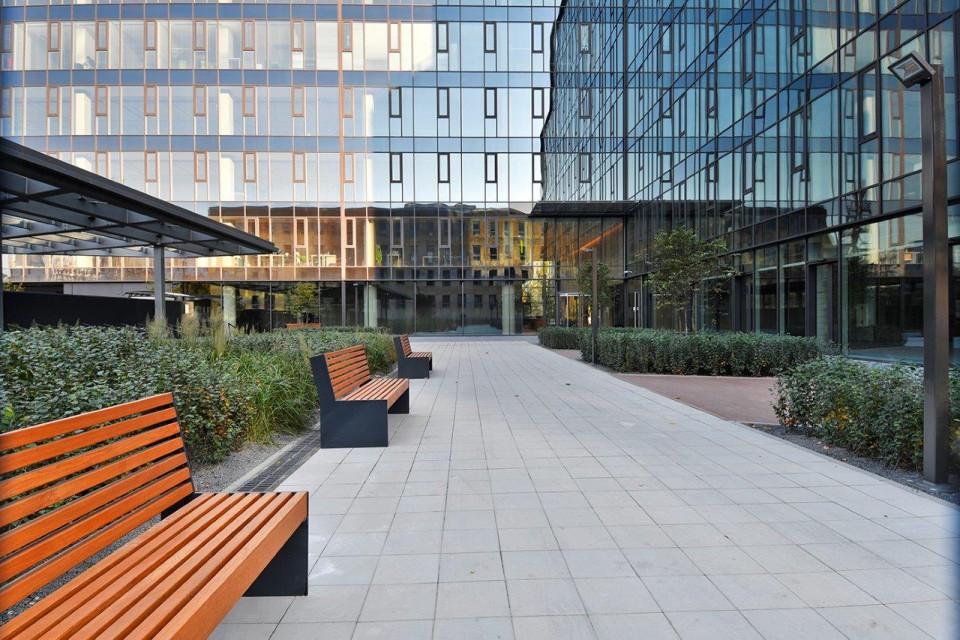 Tak wygląda najnowszy biurowiec na warszawskim Mokotowie. D48 spod kreski HRA Architekci