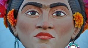 Spektakularny sukces wystawy prac Fridy Kahlo